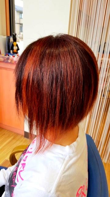 下がり ボブ 前 ボブの髪型3種類!切りっぱなし・前下り・前上がりのヘアスタイル [ヘアスタイル・髪型]